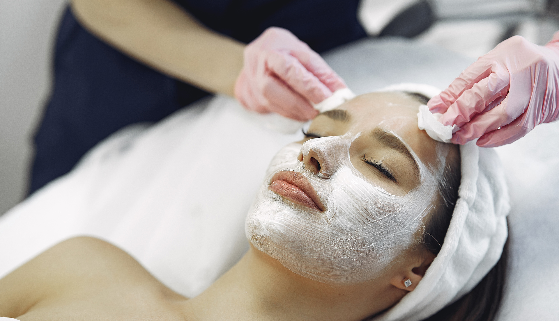 girl getting spa facial